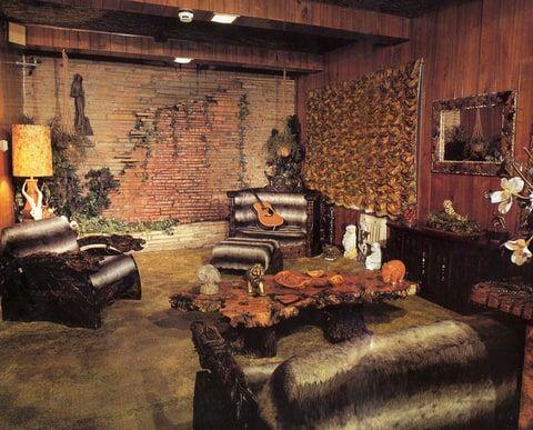 Inside elvis presley 39 s legendary man cave studio men for Jungle house music