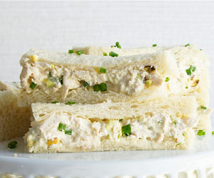 Chicken, Pistachio and Mayonnaise Sandwiches