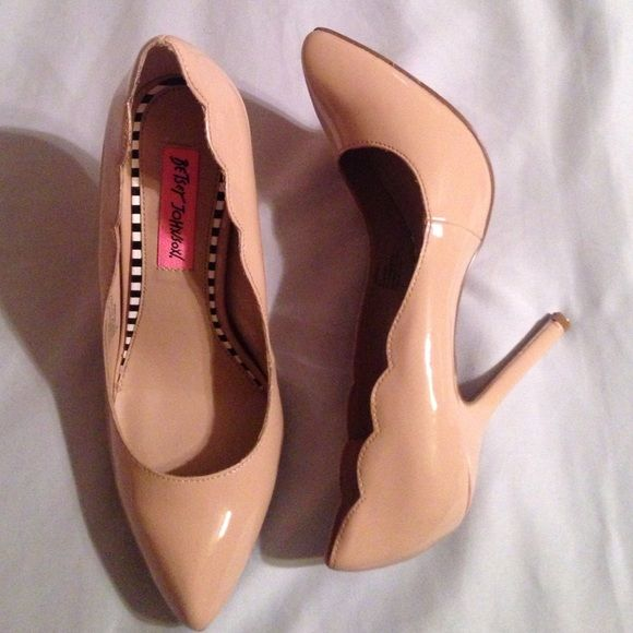 Betsey Johnson Shoes - Betsey Johnson Nude Heels