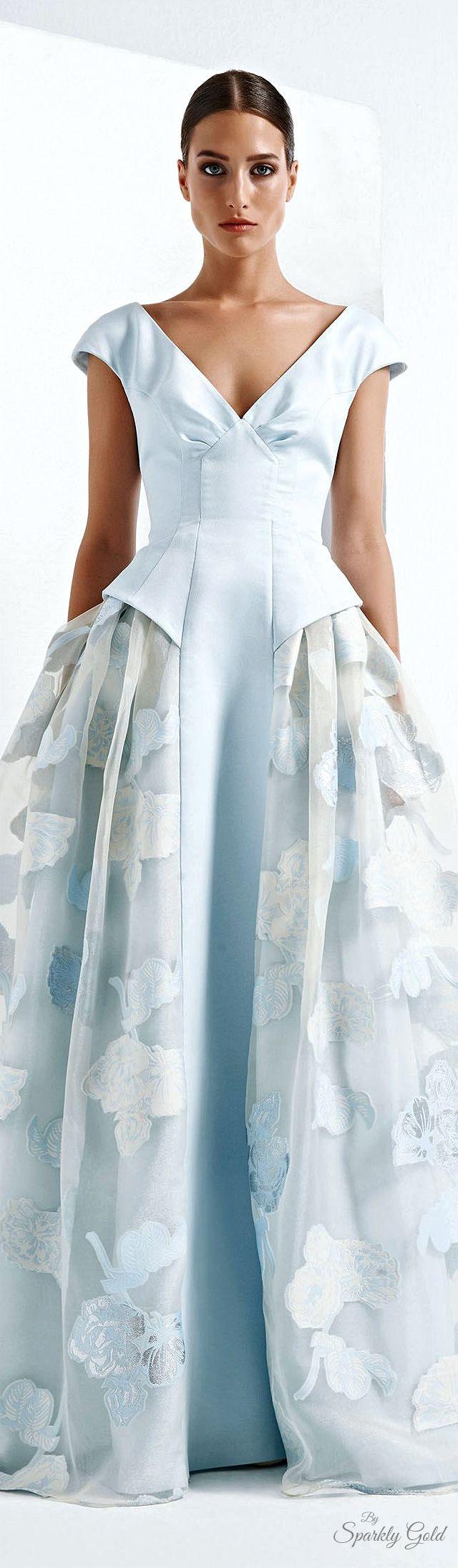 pingl par olivia la bobine sur robes dresses pinterest haute couture couture et robe. Black Bedroom Furniture Sets. Home Design Ideas