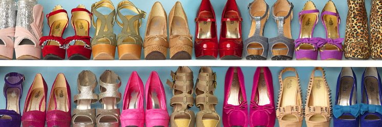 I'd be such a happy girl w/ a closet full of shoes