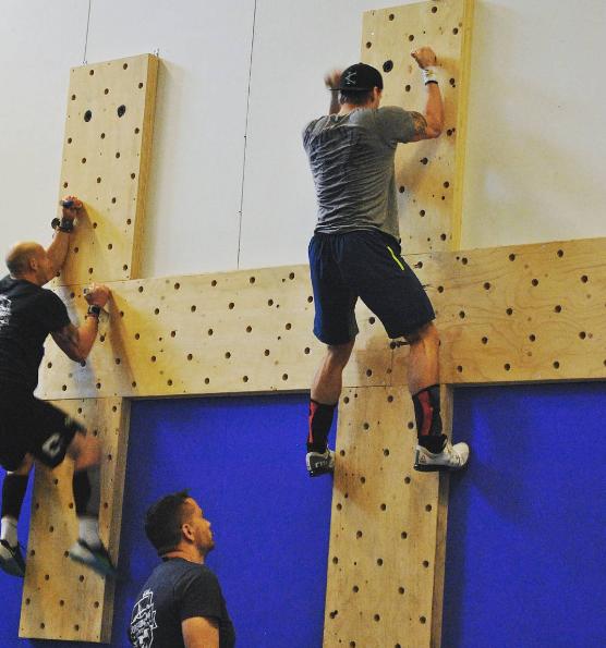 Diy Climbing Peg Board Fitness Diy Home Gym Gym
