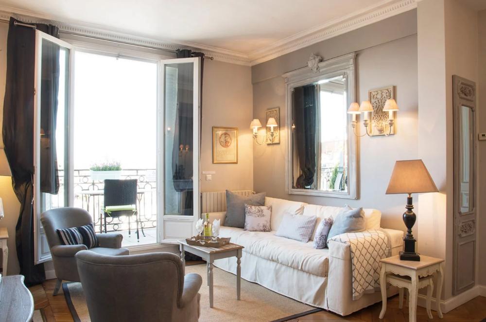 Paris 2019 Chateau Latour The Louvre Miss Mustard Seed Parisian Apartment Decor Apartment Decor Home Decor