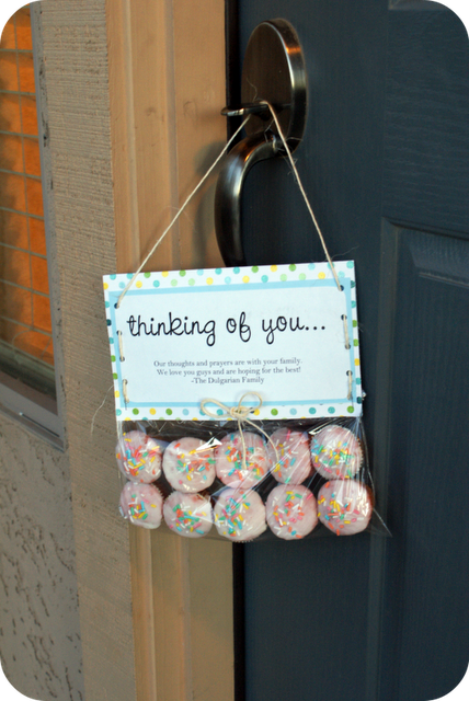 Love The Idea Of Leaving A Cupcake With A Thinking Of You Tag Attached To It On The Door I Don T Like The Idea Of Cupcake Gift Thoughtful Gifts Crafty Gifts