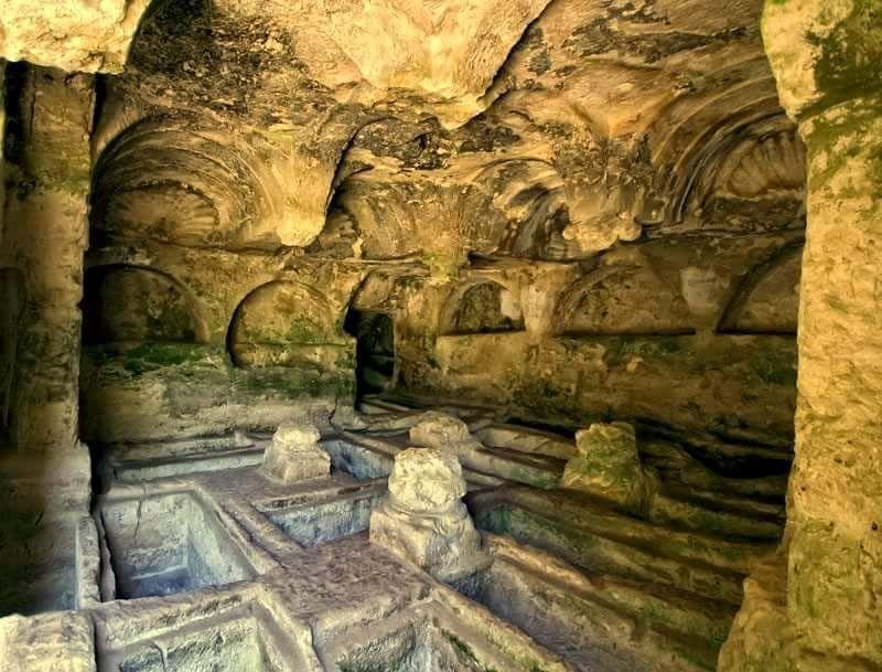 Samadağ Çevlik , Kaya mezarları, Beşikli mezarlar HATAY