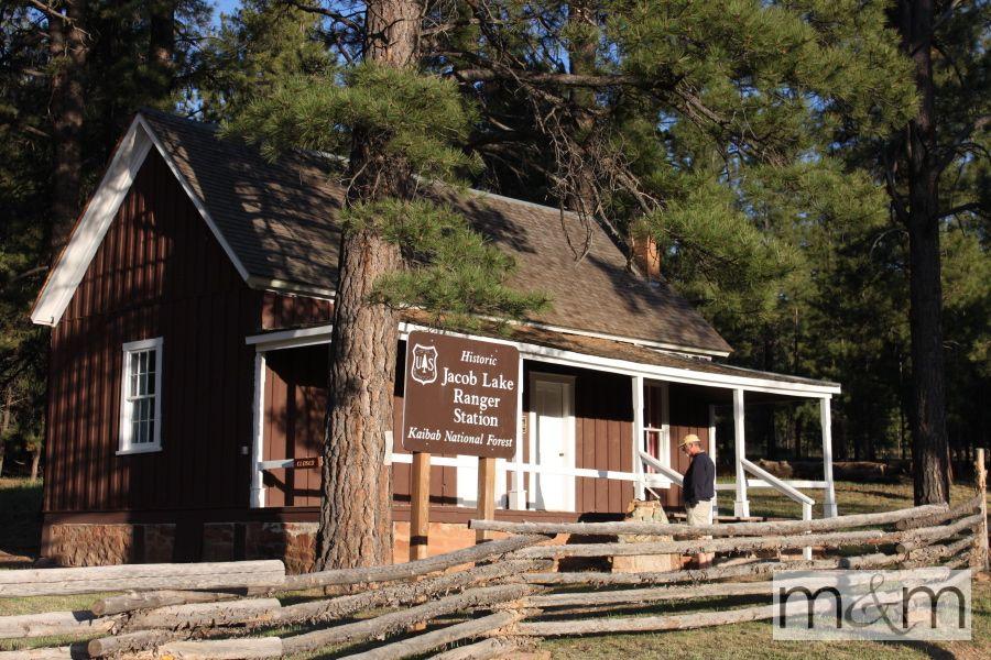 Historic Jacob Lake Ranger Station Park ranger, Lake