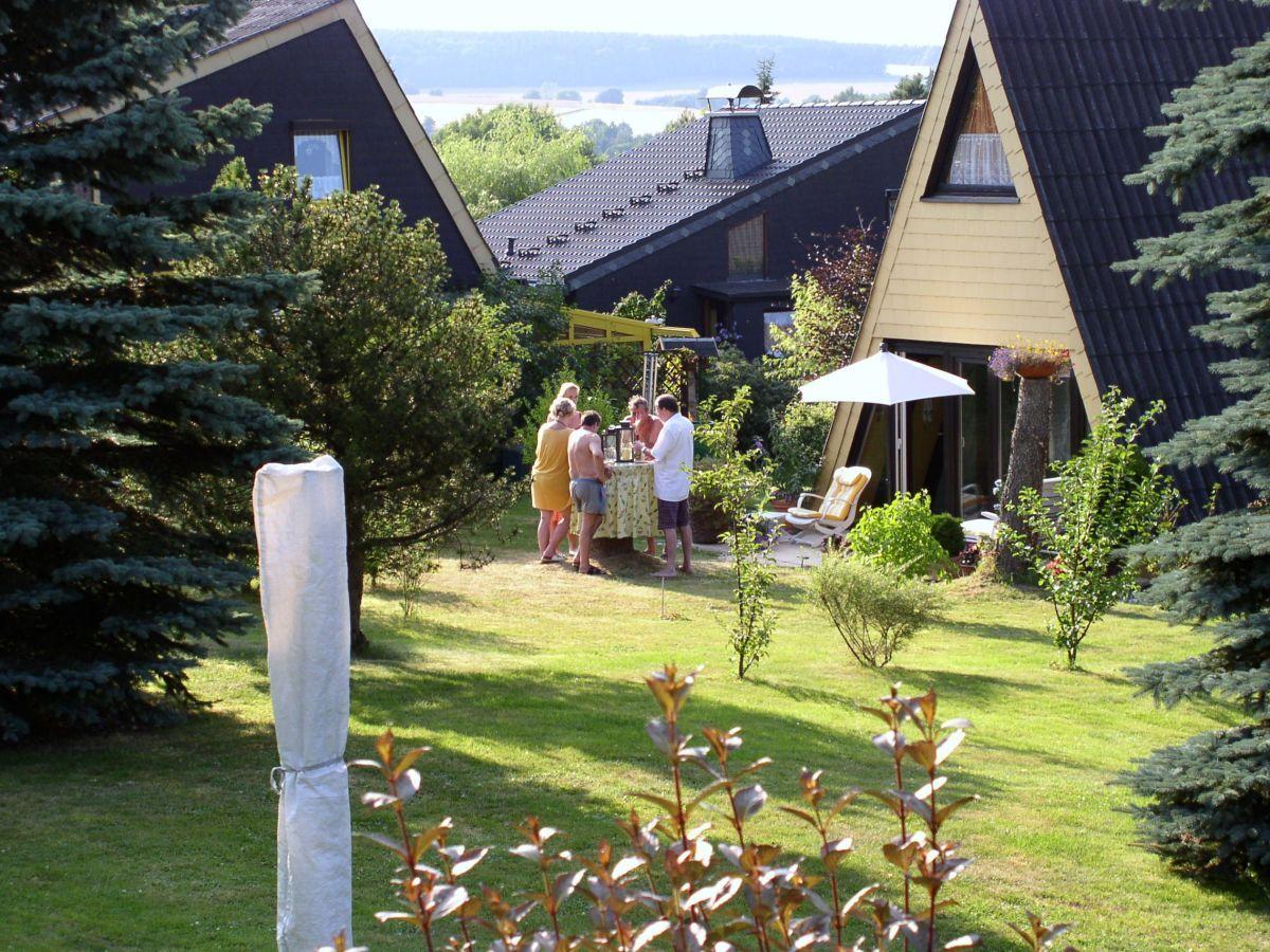 Ferienhaus Seyer Lichtenberg In Oberfranken Familie Marion U Klaus Peter Seyer In 2020 Ferienhaus Ferien Sonnenschirm Garten