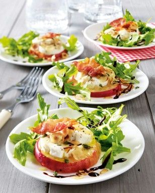 Mit Ziegenkäse gratinierter Apfel auf Salat #schnellepartyrezepte