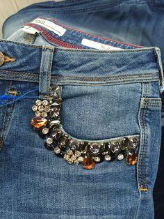 45c06d2a8 Kasivleatherlabel Dnmlab Calça Jeans Enfeitada, Bordado Em Jeans, Camiseta  Branca, Jaqueta, Bordados