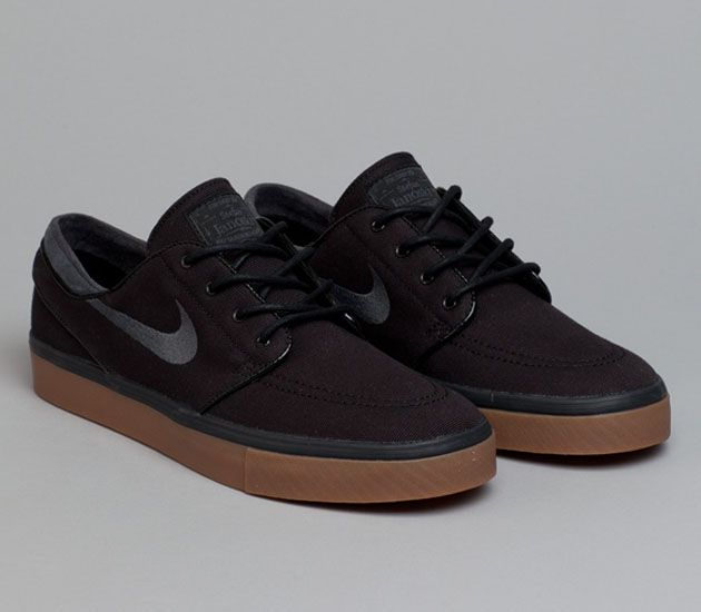 Nike SB Stefan Janoski Low – Black / Gum Medium Brown – Anthracite