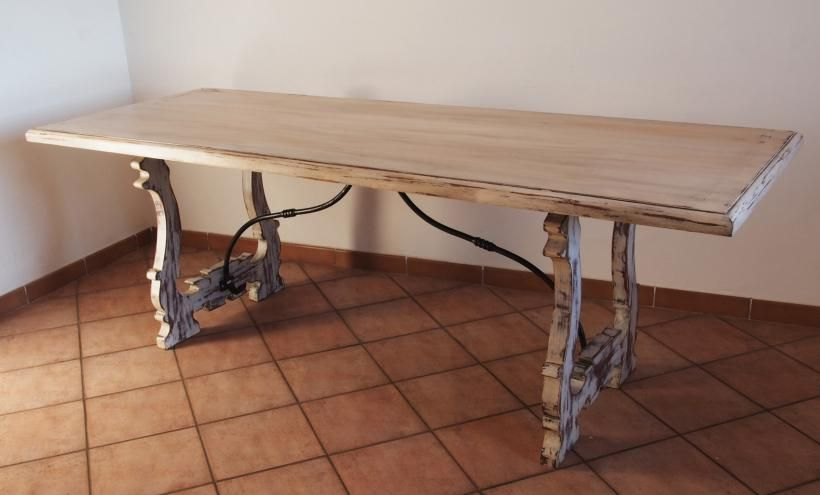 Shabby Chic Dining Table in mahogany solid wood. H: 80 cm - W: 230 cm - D: 85 cm.