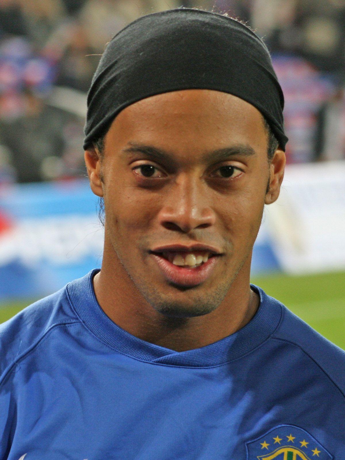 Craques do futebol  Ronaldinho Gaúcho  e4c71b232cdf1