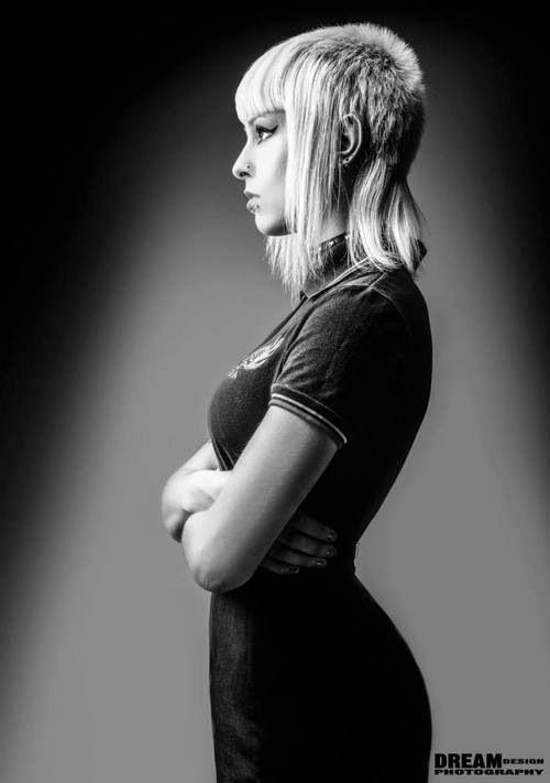 Skinhead Girl Stylin' Pinterest Kurzhaarfrisuren