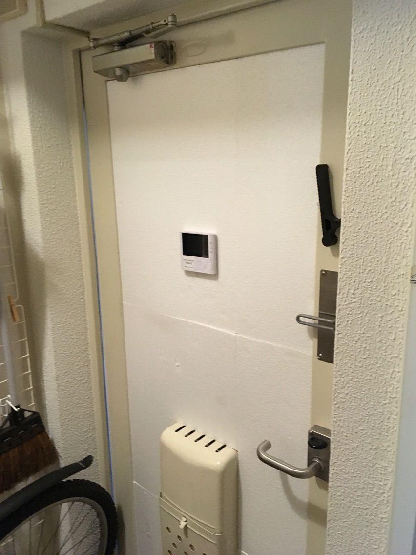 団地のドアを木製っぽくする インテリアシート 団地 ドア