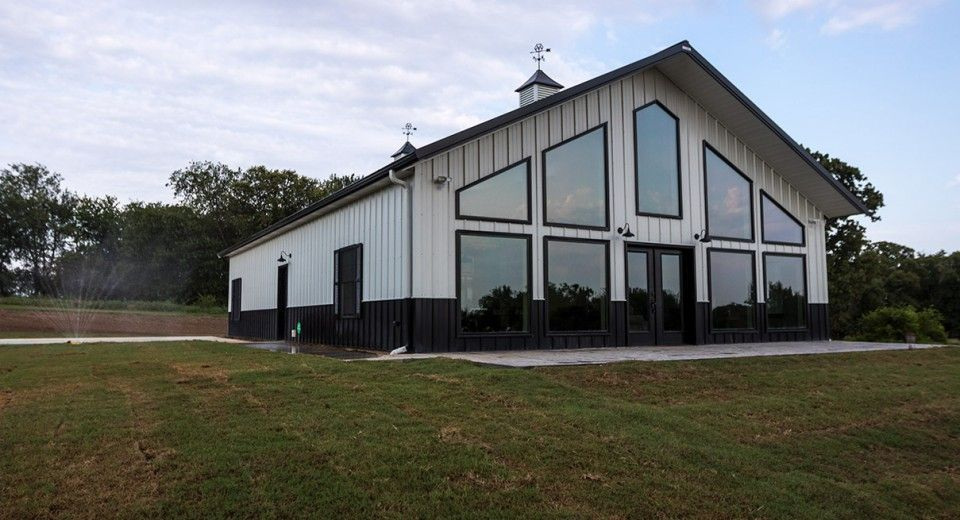 Morton Buildings use clear-span construction to offer open
