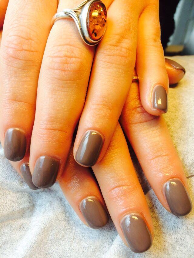 Hybrid manicure ladies