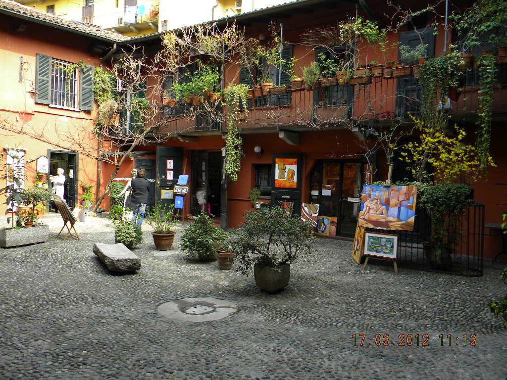 Il cortile degli artisti alzaia naviglio grande a milano cortili pinterest cortile - Il giardino degli artisti ...