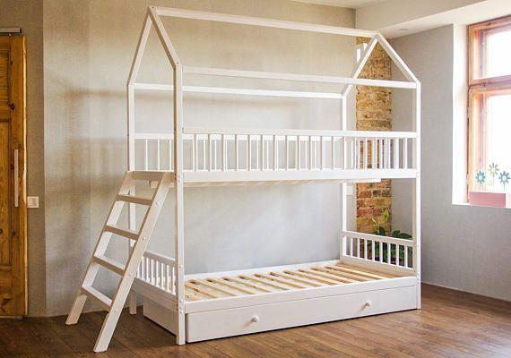 Etagenbett Mit Schubladen Treppe : Etagenbett mit geländer schubladen matratze lamellen und treppen