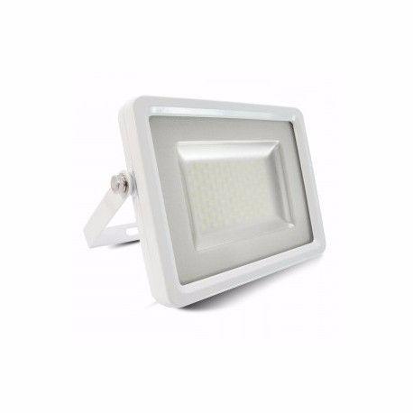 Focos de LED 10W de potencia. Fabricado en Europa por V-TAC, en aluminio, color blanco. Su principal caracteristica es su diseño moderno de color blanco, con un diodo led smd 5730 con difusor blanco  antideslumbrate para evitar deslumbramientos de luz. Funciona a 220v, con grado de protección IP65 para exteriores. http://buyled.es/foco-led-10w-ultrafino-ip65-blanco.html