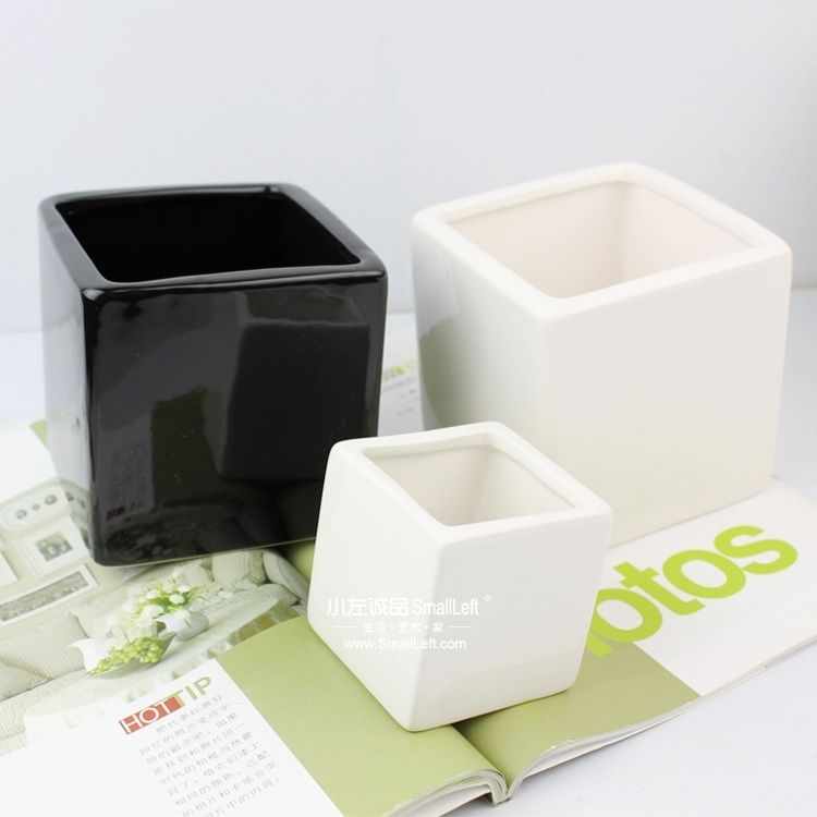 черные и белые горшочки - китай  Цена  $1.03  или 32 руб