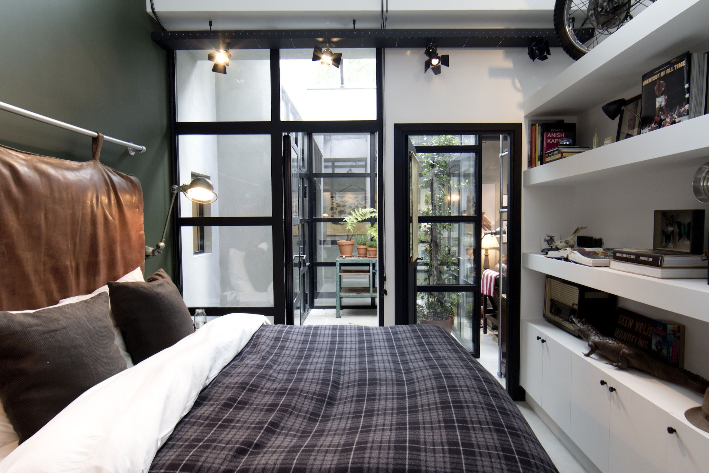 Eclectisch Familiehuis Amsterdam : Garage loft amsterdam a place to lay your head pinterest