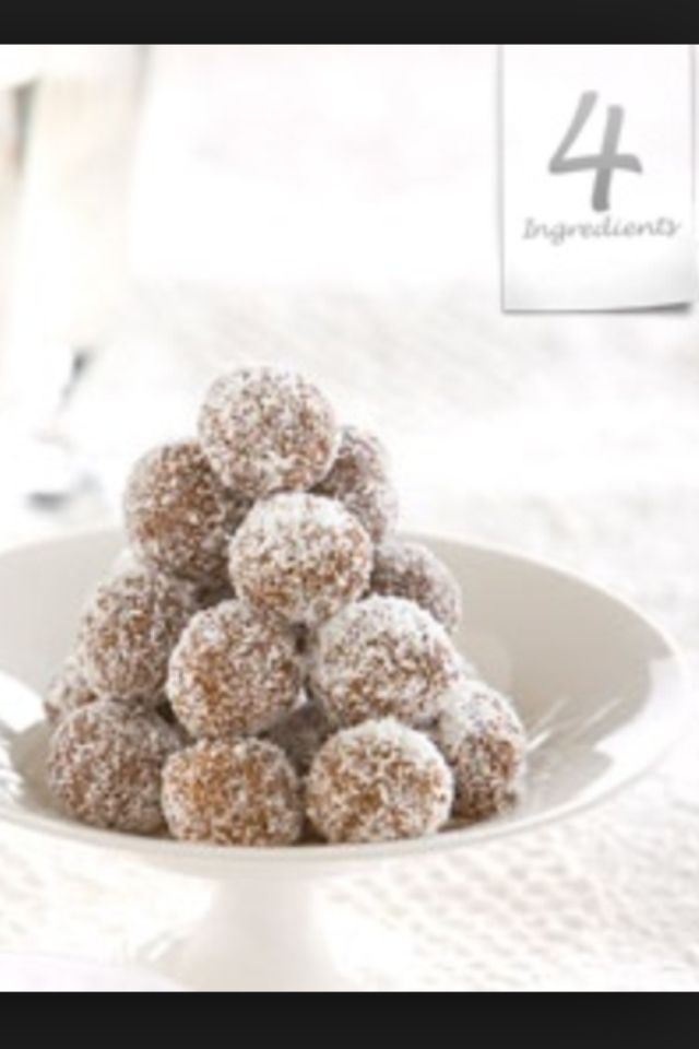 4 Ingredient Chocolate Balls Condensed Milk Cocoa Coconut And Marie Biscuits Xmas Food 4 Ingredient Recipes 4 Ingredients