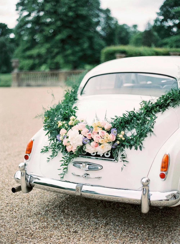Trouwauto Versiering 5 Ideeen Voor De Decoratie Bruiloft Inspiratie Trouwauto Decoraties Auto Bruiloft Engels Platteland