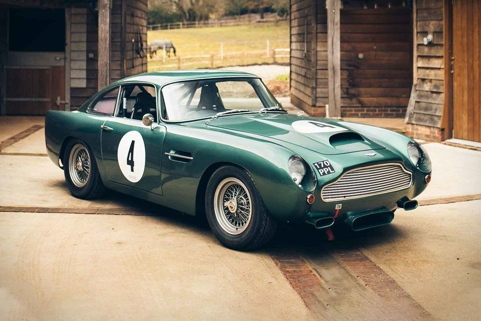 The Aston Martin Db4gt Was One Of The Company S Most Successful Racers And Would Set The Bar For Decades Of Gran Aston Martin Classic Aston Martin Classic Cars