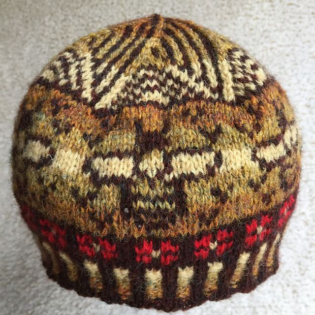 Free knitting pattern Bumblebee Beanie hat pattern by Evelyn A ...