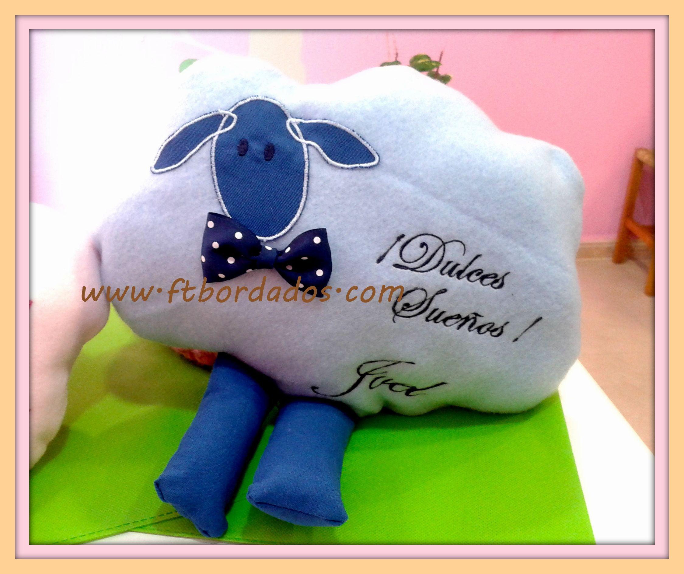 """Nuestra ovejita """"mari lu"""" en azul . www.ftbordados.com"""