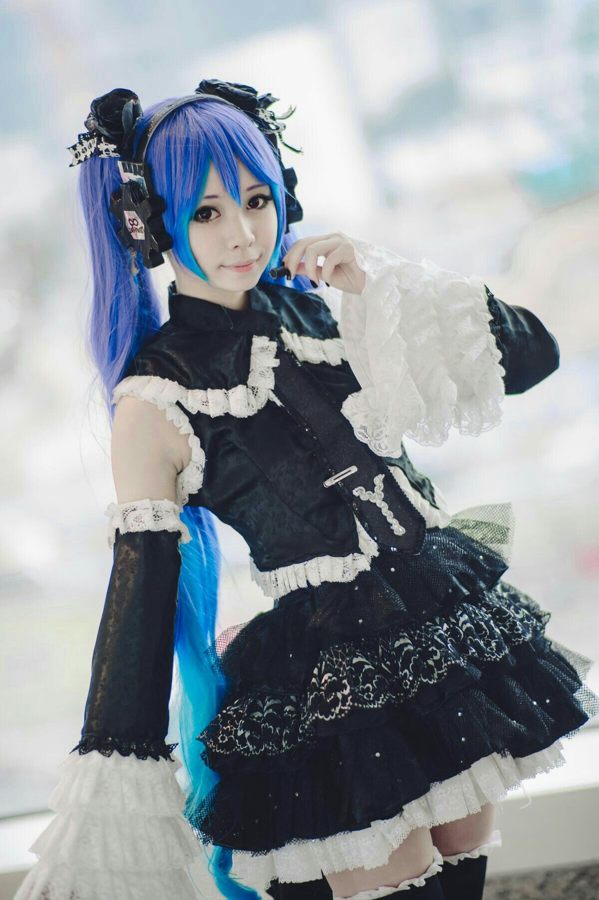 Pin by Kaeyden on Cute/Edgy Outfits Miku cosplay