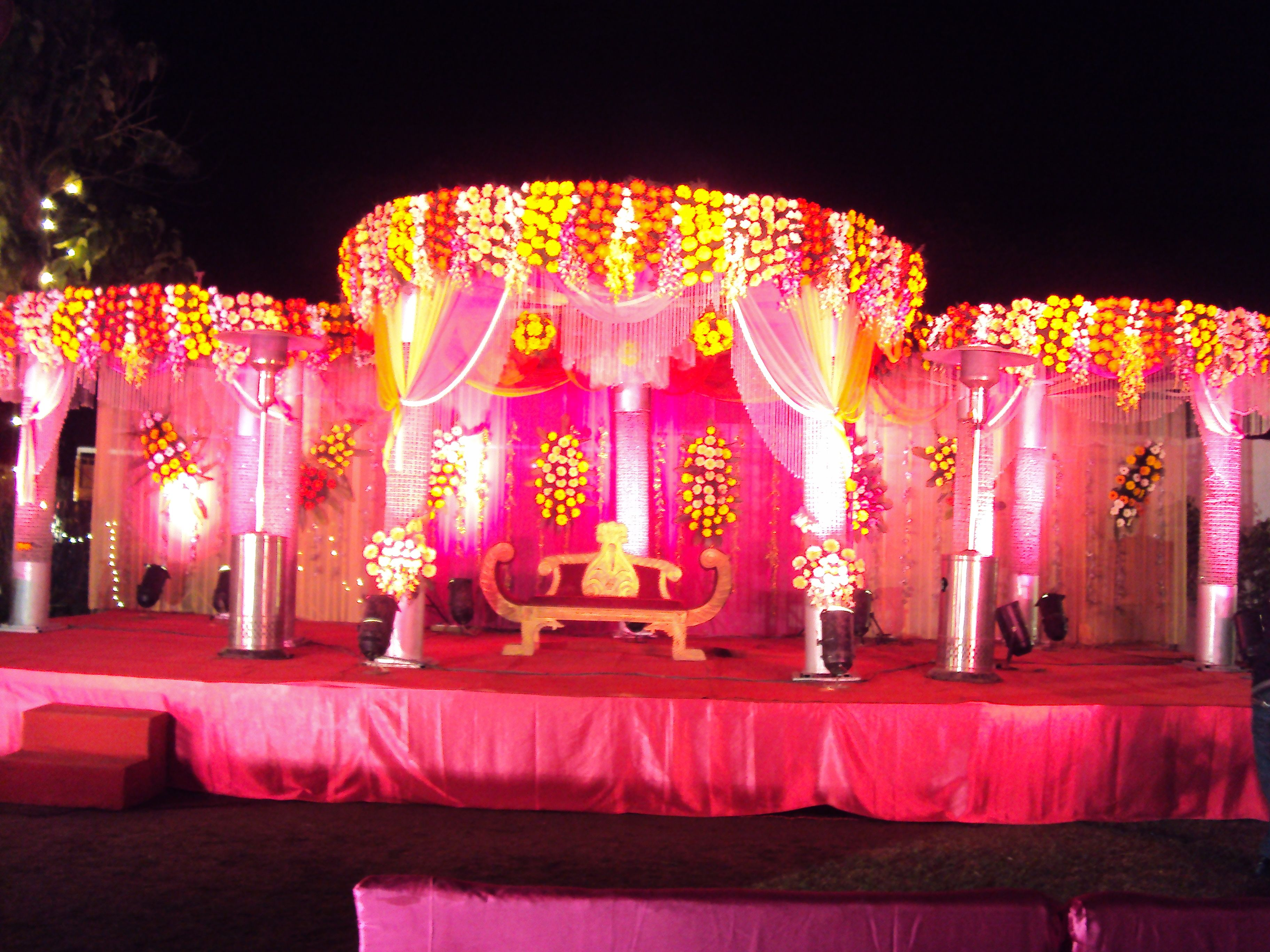 We are providing excellent wedding decoration service in Greater Noida Defence Colony and Noida at & We are providing excellent wedding decoration service in Greater ...
