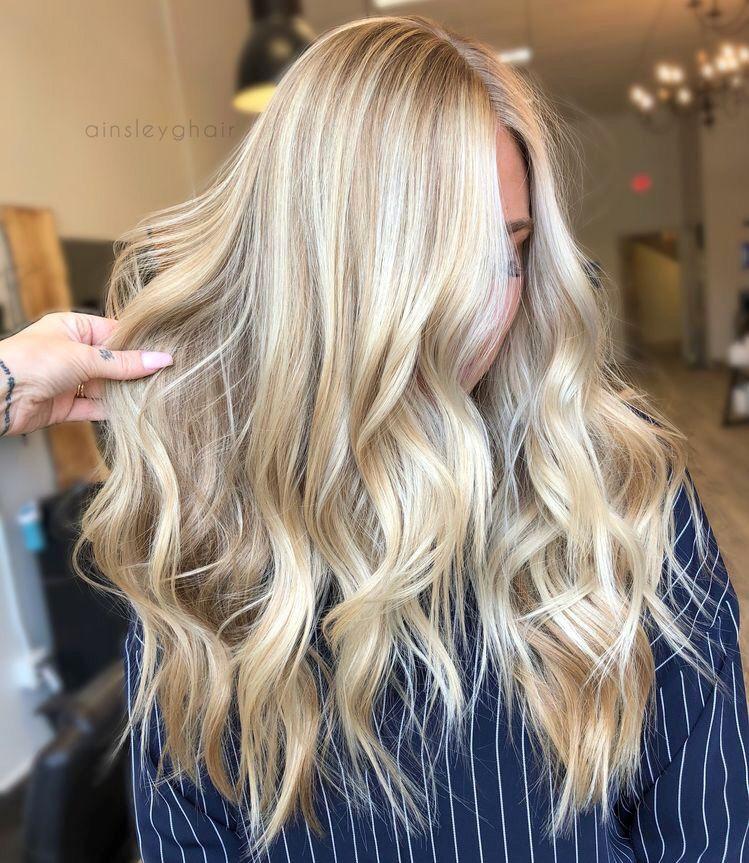 Bright Sandy Blonde Hair Balayage Hair Blonde Hair With
