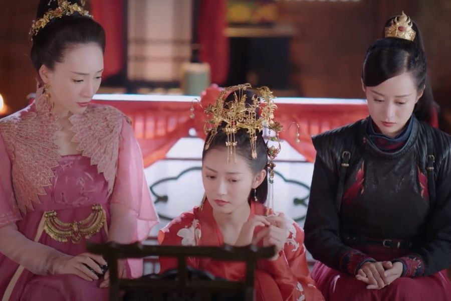 Watch: Luo Yun Xi disappeared on the Wedding Day in Drama
