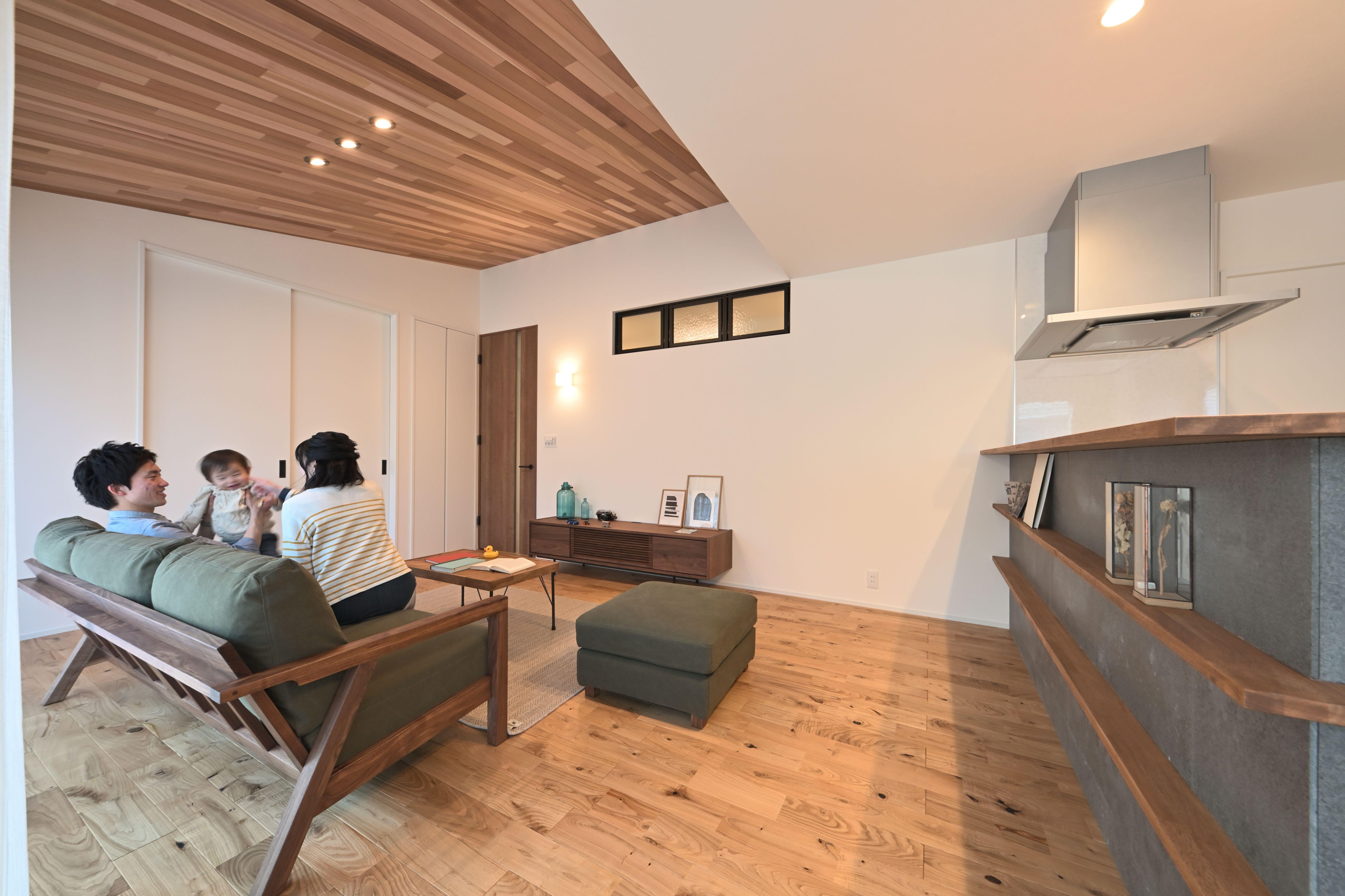 滋賀県草津市 を中心に 注文住宅 を 建築 しております 自然素材 を活かした 空間の提案 演出 を得意としています