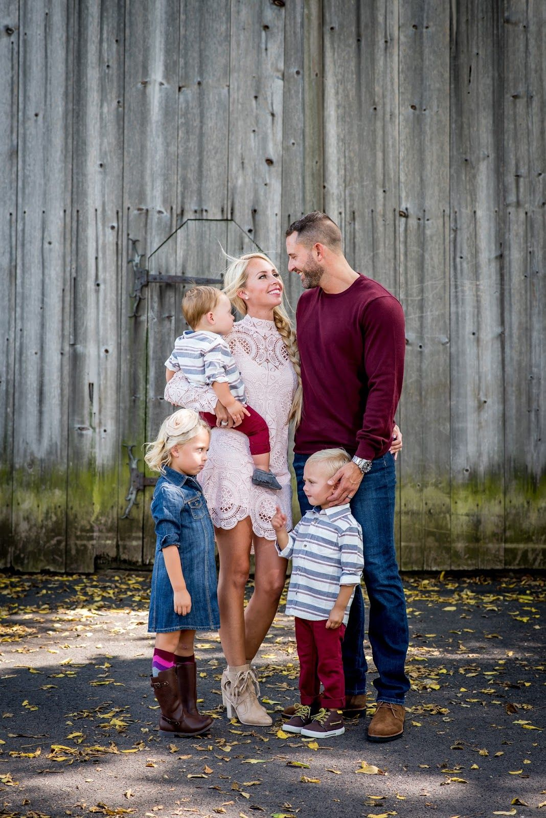 Fall Family Photos 2016: How to Coordinate Outfits