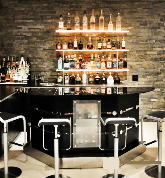 10 Attractive Mini Liquor Bars For The Kitchen