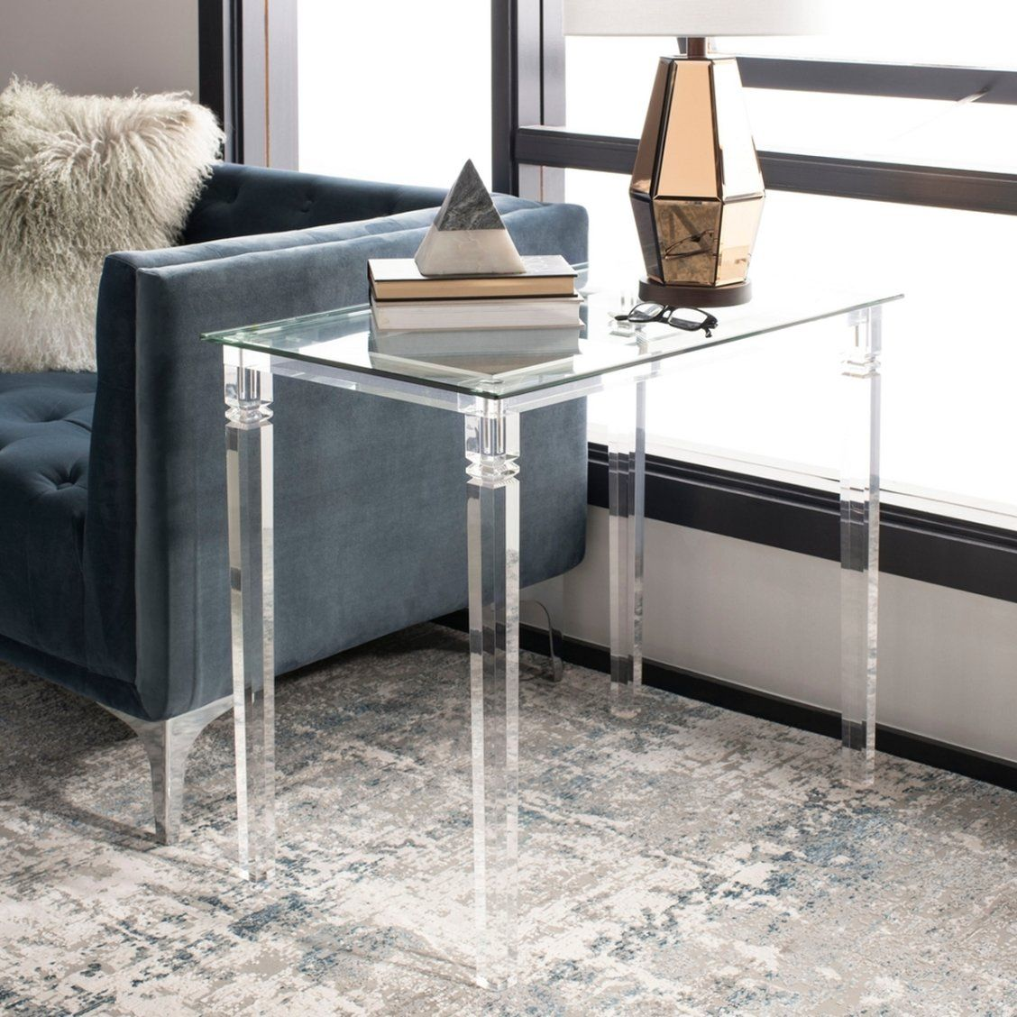 This Sophisticated Contemporary Acrylic Side Table Is An Instant Classic Designed For The Modern Tastemaker Acrylic Side Table Glass Top End Tables Side Table