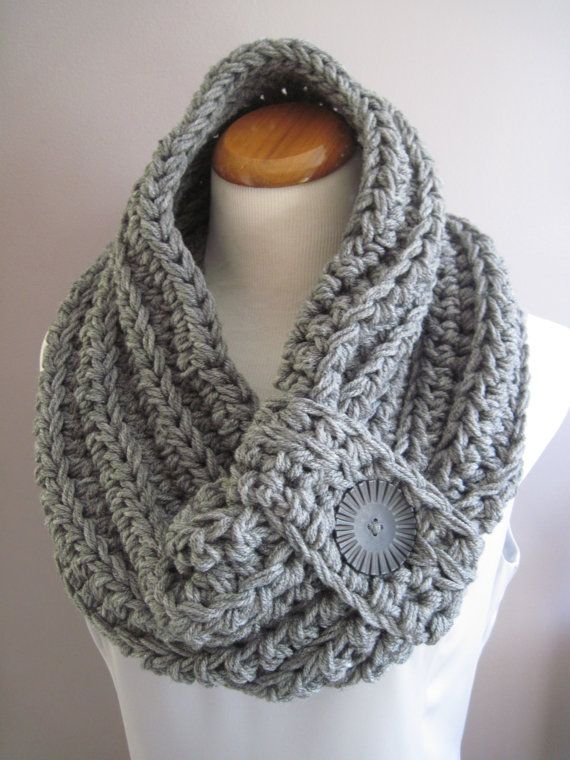 Chunky Bulky Button Crochet Cowl:  Heather Gray with Black Button