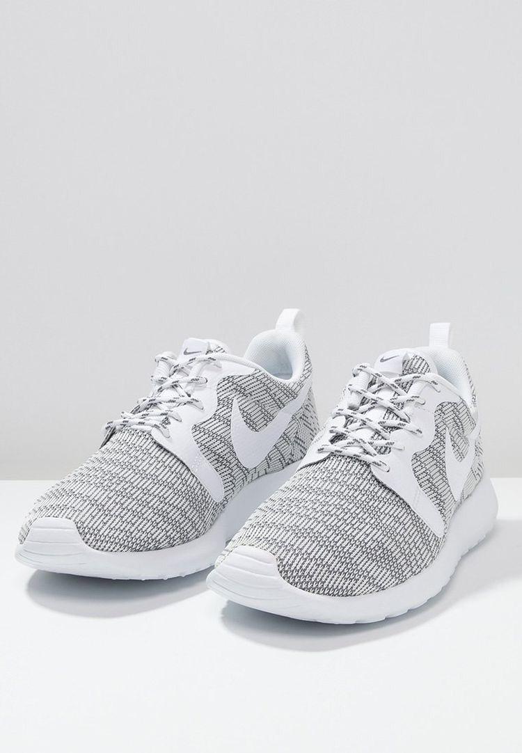 huge selection of 204bf 4454f Nike Roshe Run NM