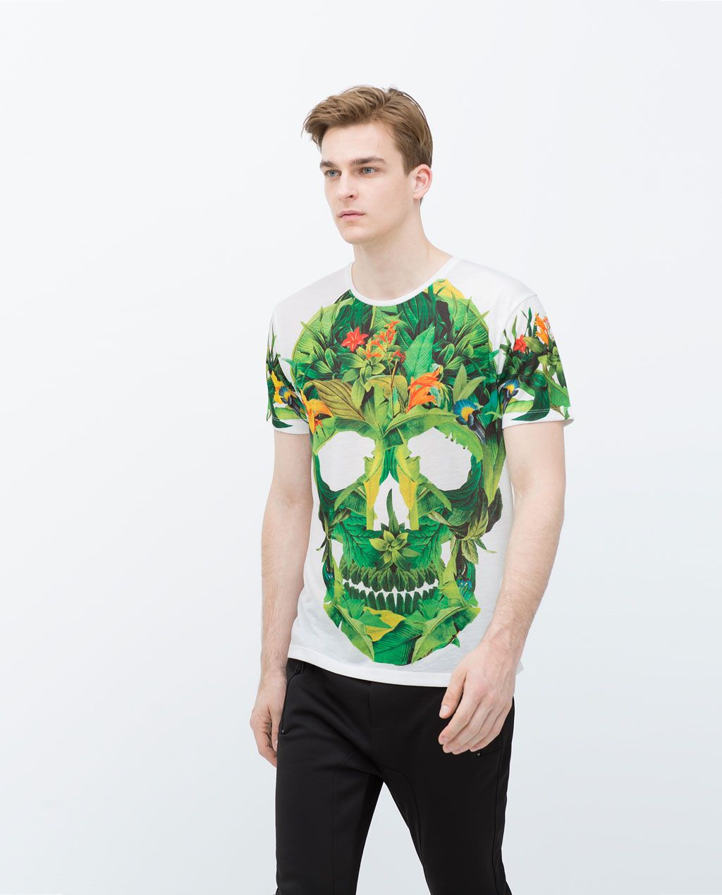 Image 3 of Skull and flowers T-shirt from Zara