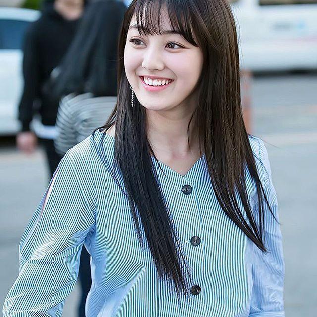Jihyo at KBS Building #Twice#ParkJihyo#Jihyo#Parkjisoo #GoodJihyo#JihyoTwicee #지효#박지수