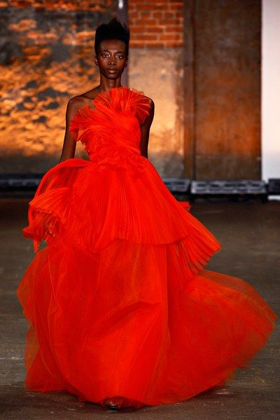 See the complete Christian Siriano Spring 2012 Ready-to-Wear collection.