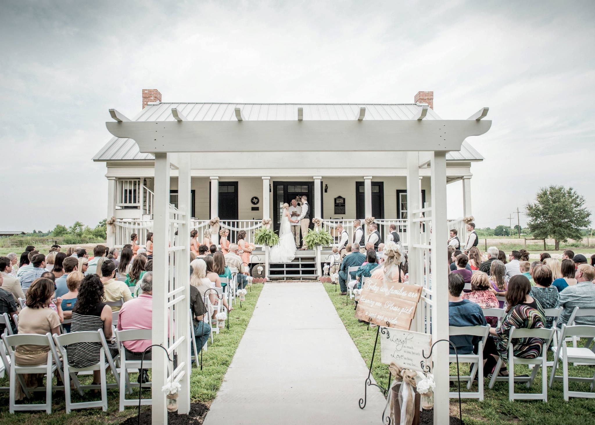 Sarah And Shane S Wedding At Broussard Farms In Beaumont Tx
