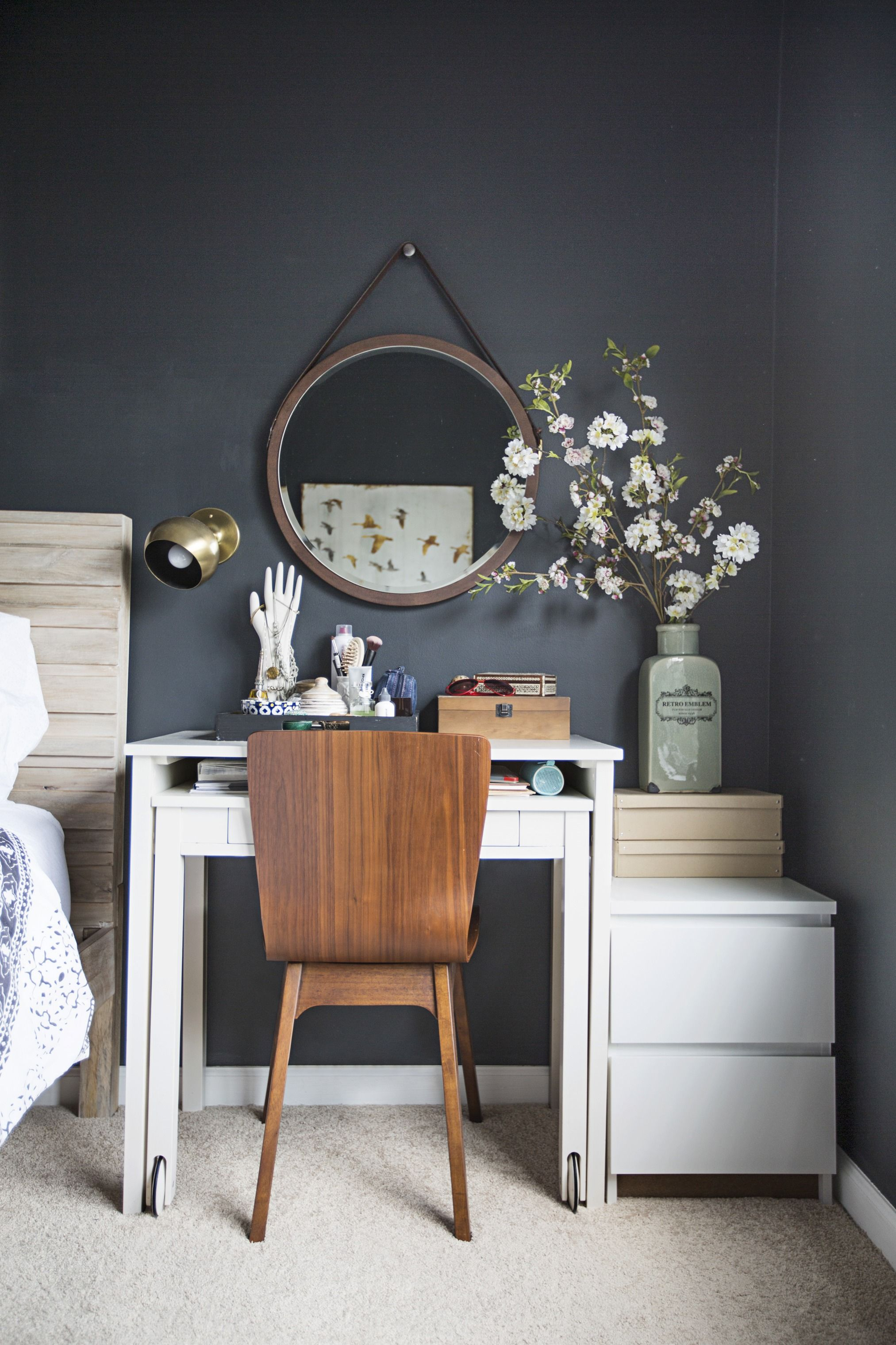 9 Ways to Make All Your Clutter Look Without
