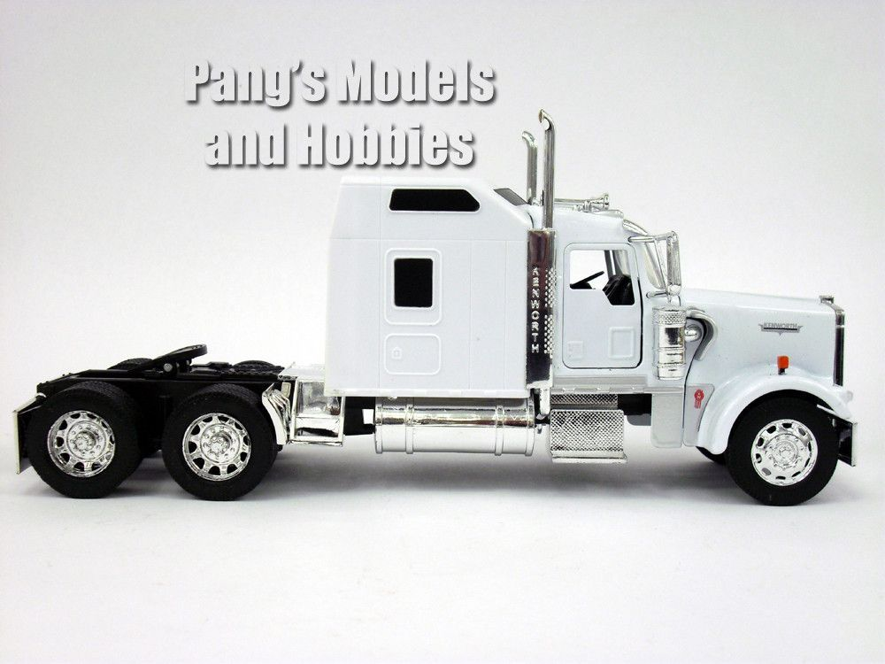 Kenworth W900 Semi Truck Cast Metal 1 32 Scale Model By Newray