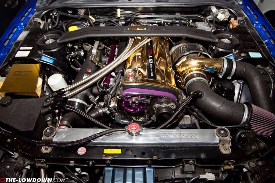 Golden Nissan Skyline GTR RB26 http ...