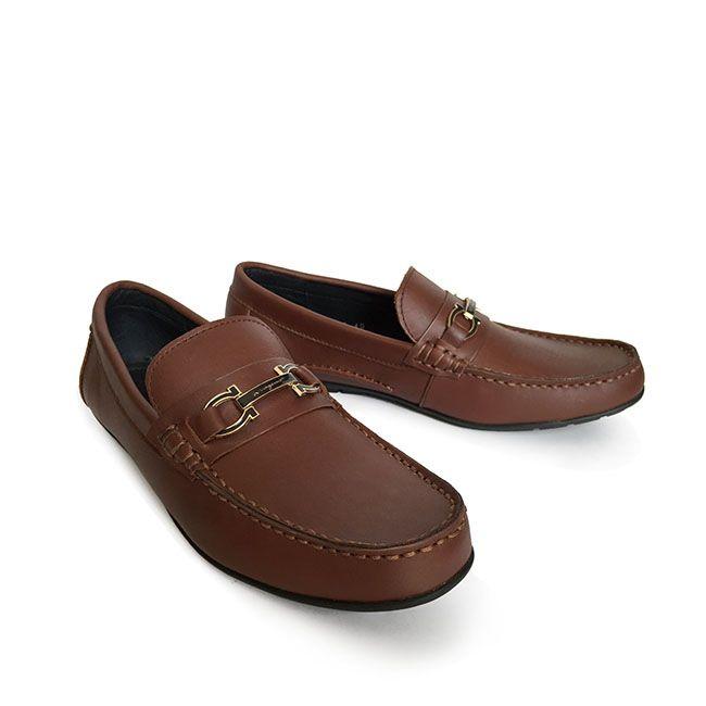 Mẫu giày nam Salvatore Ferragamo nam hàng hiệu cao cấp xuất xứ từ Hồng Kông.  Vì shop lấy trực tiếp, không hề qua tay nên giá cả rẻ nhất hiện nay ở trên thị trường. Bảo hành da 6 tháng Ship về tận nhà Tặng thẻ VIP khi mua đồi giay nam hang hieu này.