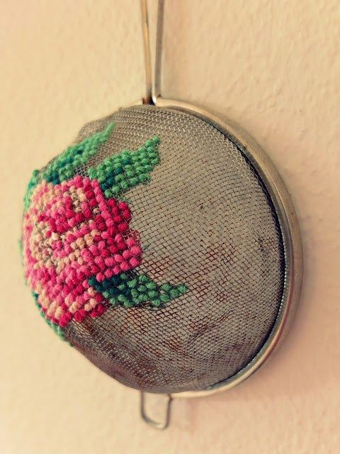Recycled strainer makes a great embroidery surface #recycledart