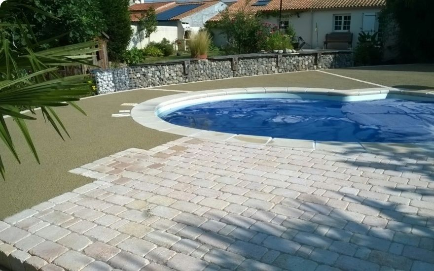 Projet d 39 am nagement de plage de piscine en b ton poreux for Budget piscine beton